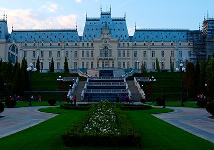 cladiri Palatul Culturii Iasi 02